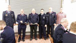 Ehrungen anlässlich 40 Jahre Mitgliedschaft in der Feuerwehr Warnstedt v.l.n.r. Rolf Koseck, Holger Kammerer, Bernd Fiedler, Markus Kammerer, Rainer Braune, Philipp Zedschack